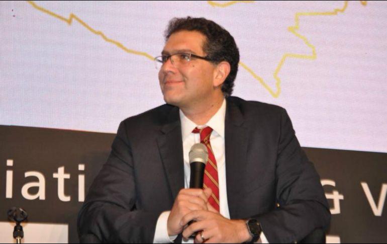 Invita Meade a Ríos Piter a su campaña