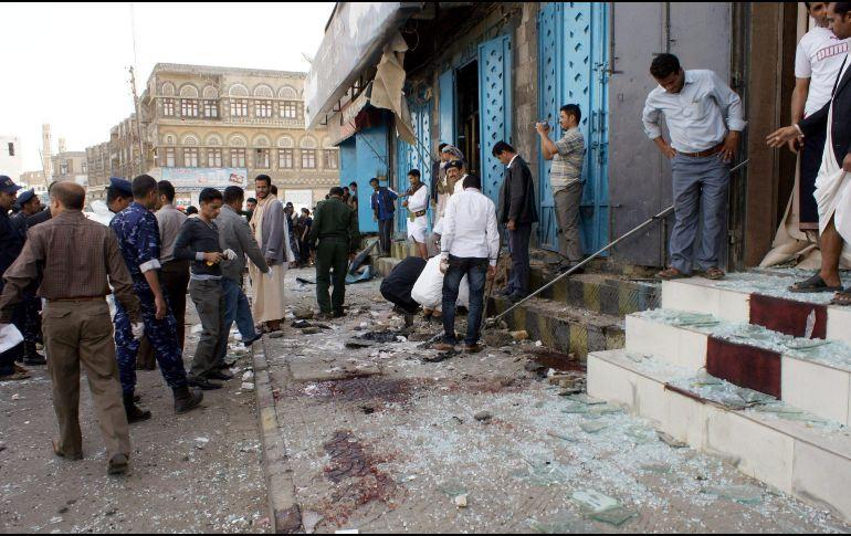 Ataque aéreo en una estación de gasolina en Yemen deja 18 muertos