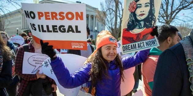 Juez falla contra cancelación de DACA