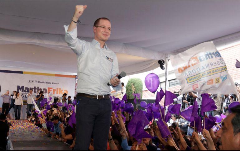 Anaya acompañó en el inicio de campaña a Martha Erika Alonso, candidata a la gubernatura de Puebla por la coalición Por Puebla al Frente. NOTIMEX/C. Pacheco