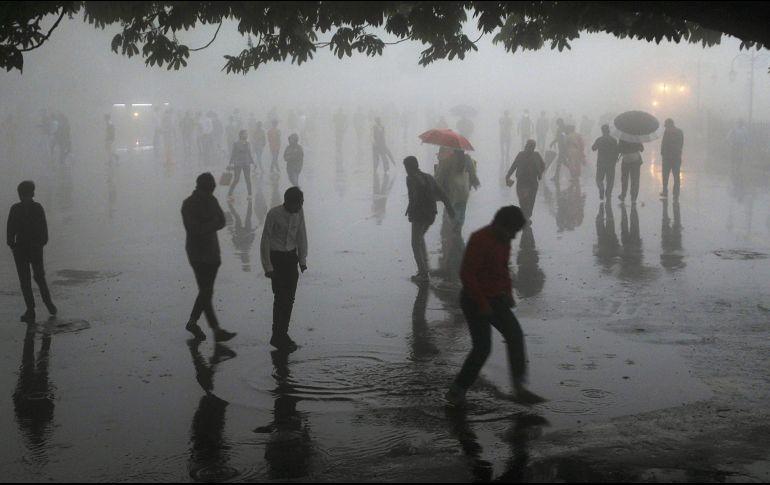 Tormenta deja 77 muertos y más de 140 heridos en La India