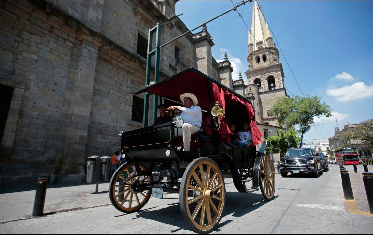 Estrena Guadalajara calandrias sin caballos