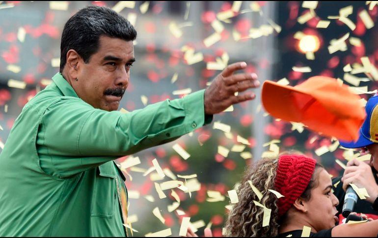 Santos denuncia plan de Maduro para 'trasteo de votos' desde Colombia