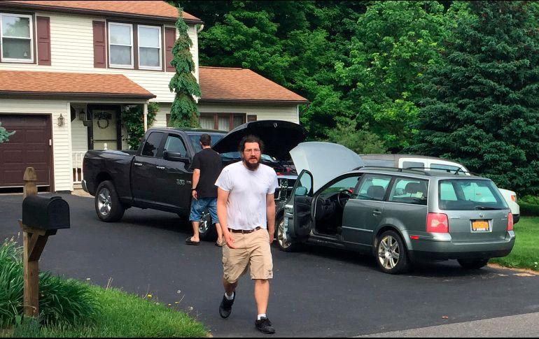 Treintañero 'baquetón' abandona casa de sus padres