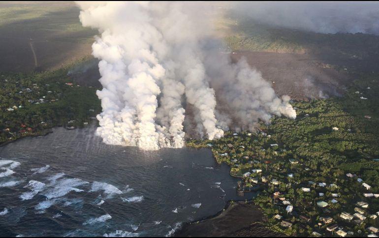 La lava amplía el territorio de la Isla Grande de Hawai