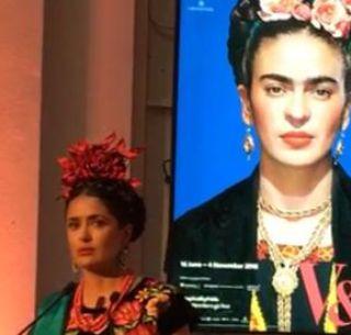 Salma Hayek Luce Traje De Tehuana En Muestra De Frida Kahlo
