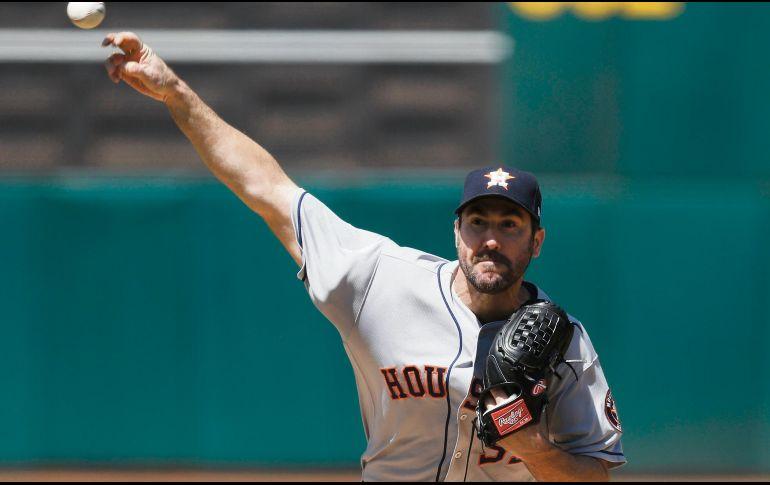 Verlander lleva a los Astros a su octavo triunfo consecutivo