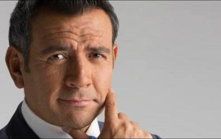 Héctor Sandarti confirma salida de Televisa en redes sociales