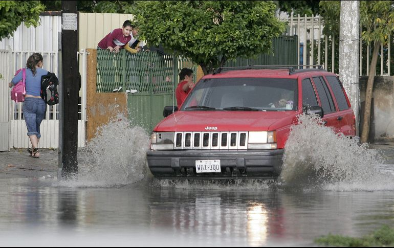Lluvias en San Luis Potosí por onda tropical 13