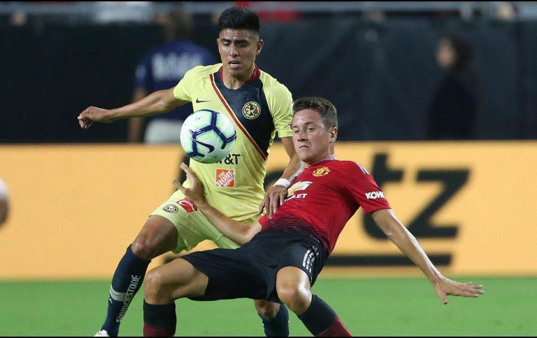'Toño' Valencia volvió a la acción como capitán del Manchester United