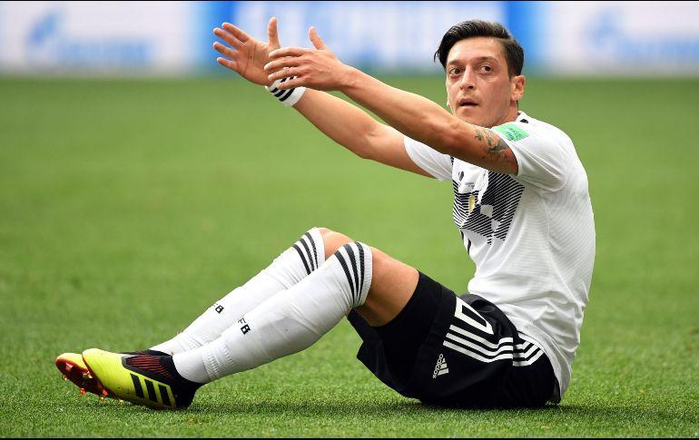 Mesut Özil renuncia a selección de Alemania tras polémica foto con Erdogan