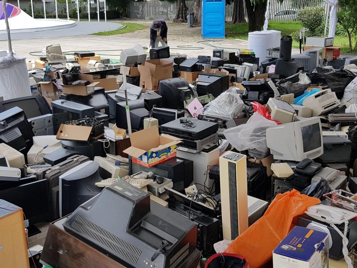 Por jalisciense, 10 kilos de basura electrónica