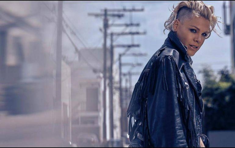 Pink sigue hospitalizada en Sydney, cancela tercer concierto