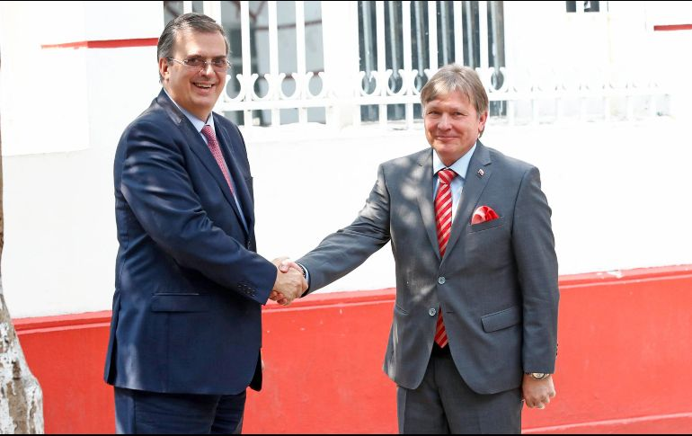 Respaldan gobernadores fronterizos a AMLO