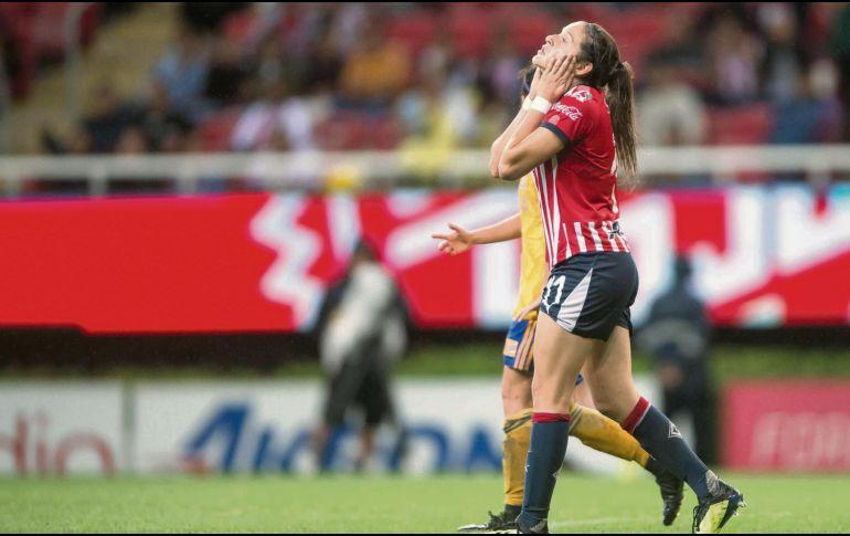 Jugadoras de Chivas y Tigres protagonizan bronca