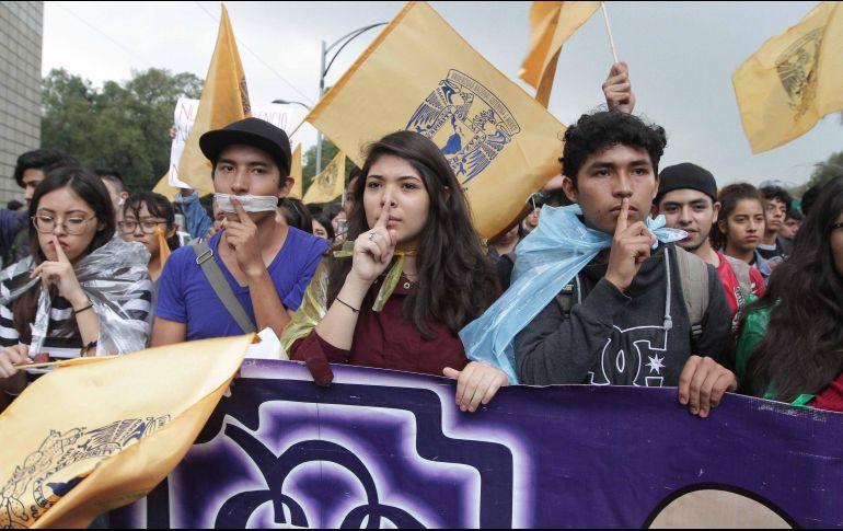 En completo silencio, los participantes marcharon por Paseo de la Reforma hacia el Zócalo capitalino. NTX/G. Durán