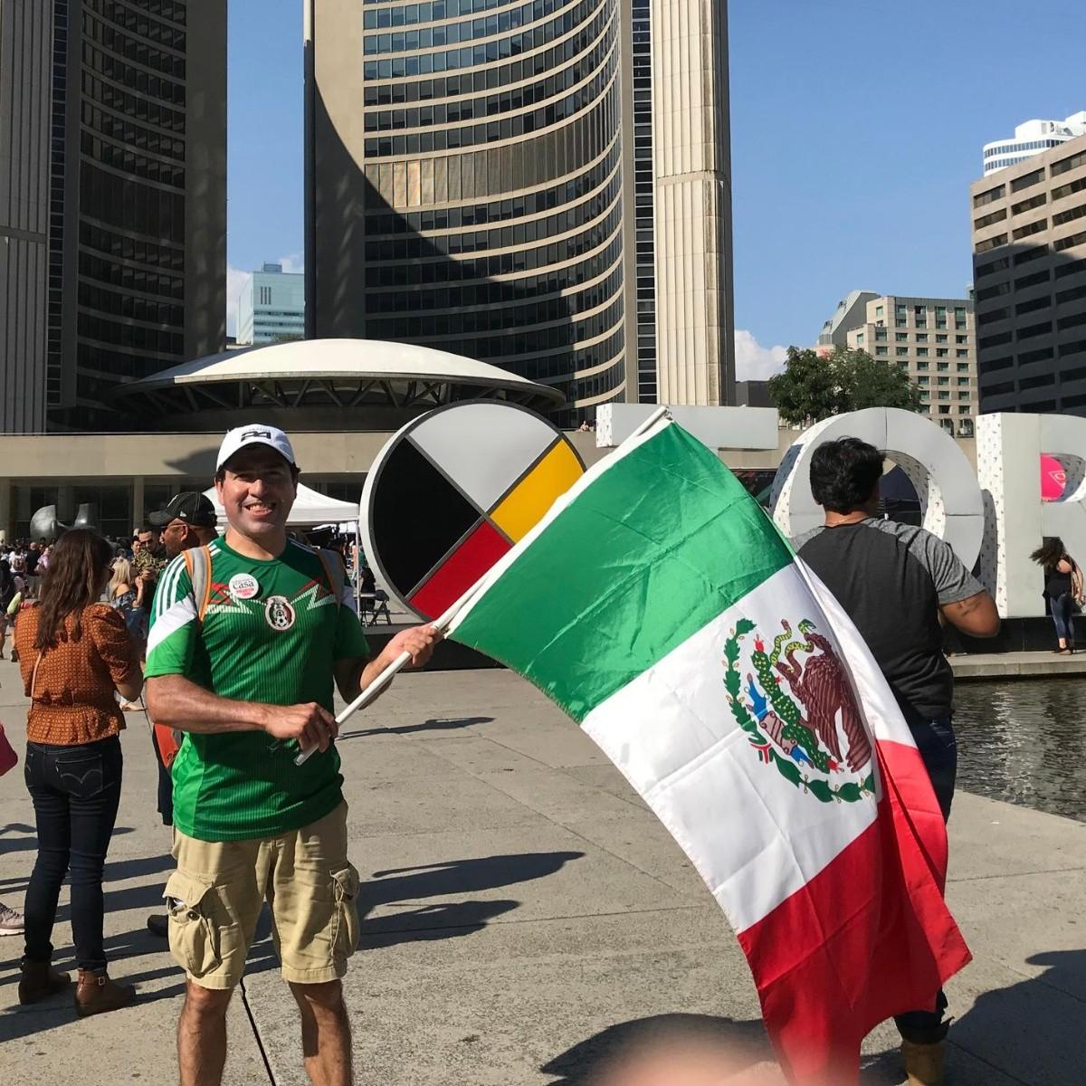 Mexicanos celebran el Grito en el corazón de Toronto | El Informador ...