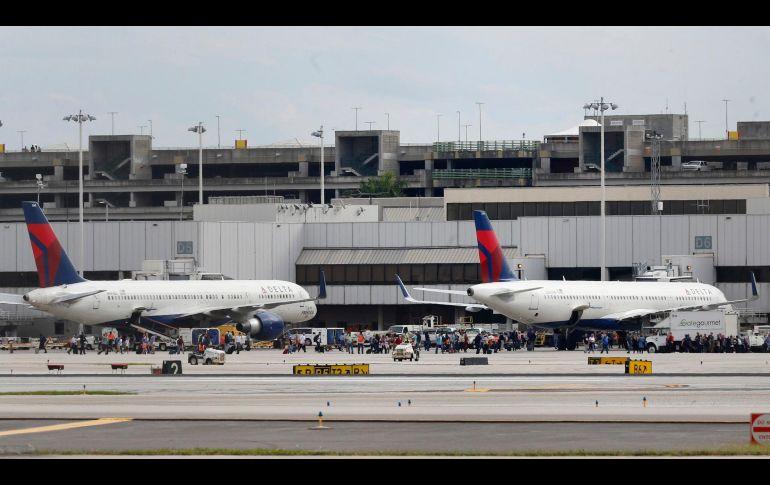 Policía mata hombre que abrió fuego cerca del aeropuerto de Miami
