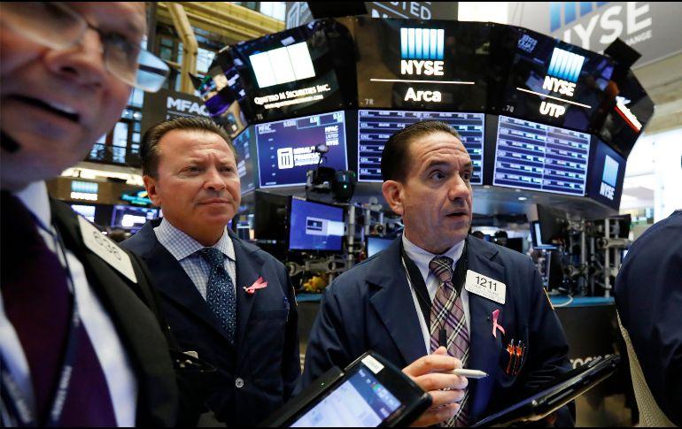 Wall Street cierra con pérdidas y el Dow Jones retrocede un 0.68%