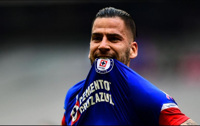 8de405b5e Cruz Azul derrota a Monterrey y recupera el liderato
