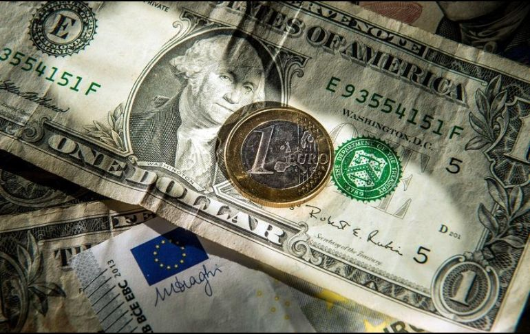Dólar avanza y se vende hasta en 19.46 pesos en bancos capitalinos