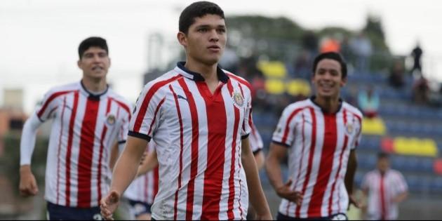 ¿Quién es Sebastián Martínez, canterano de Chivas elogiado a nivel mundial?