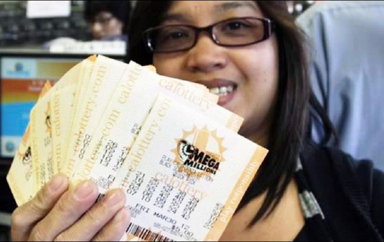 La lotería Mega Millions, Jackpots Powerball suben a casi 1 billón
