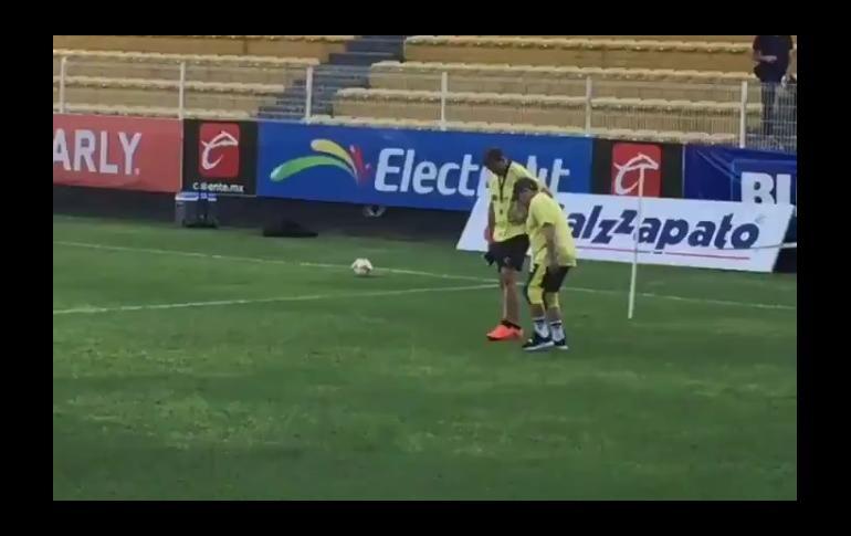 Maradona Andando con Dificultad en Entrenamiendo del Dorados — Vídeo