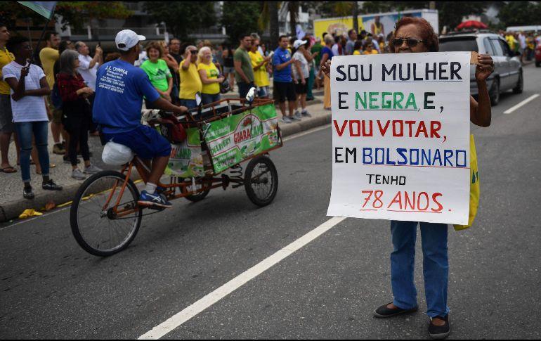 Facebook eliminó cuentas por 'spam — Elecciones en Brasil