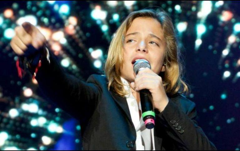 Izán Llunas interpreta a Luis Miguel y Justin Bieber en las Fiestas de Octubre