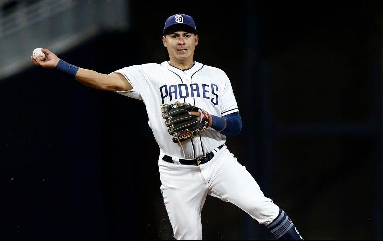 Los Padres toman decisión final sobre el futuro de Christian Villanueva