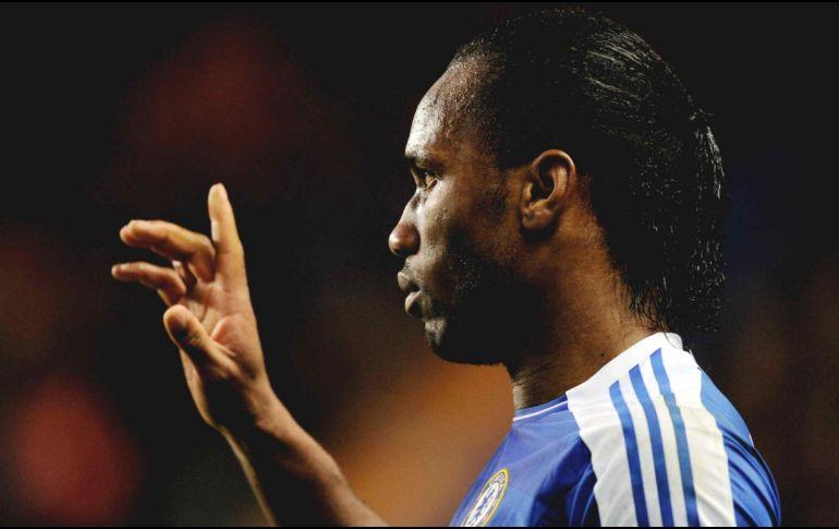 El histórico goleador Didier Drogba confirmó su retiro del fútbol profesional