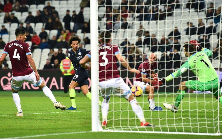 Chicharito cerca de salir del West Ham y emigrar a Turquía