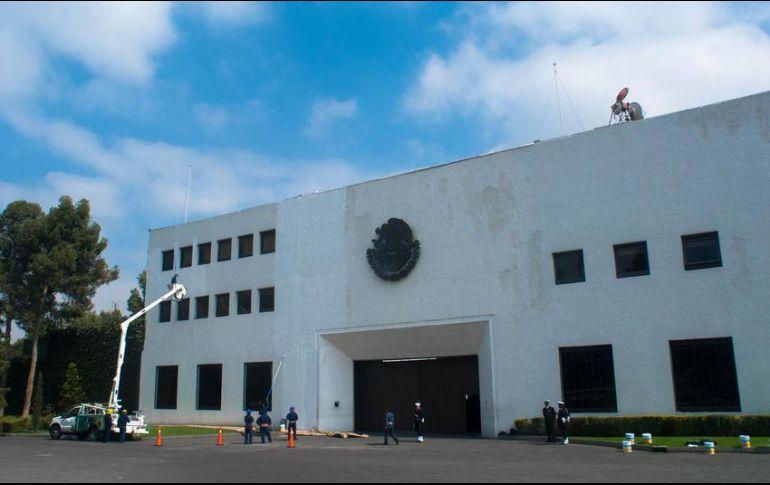 Roban nochebuenas de Los Pinos en su primer día como centro cultural