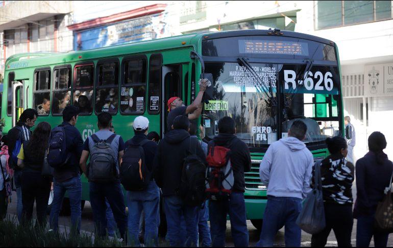 El gobernador se comprometió a que en el primer año de su administración deberá concretarse la reorganización del transporte. EL INFORMADOR/ ARCHIVO