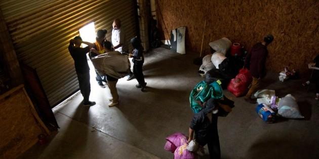 Unos 300 migrantes se instalan en nuevo albergue en Tijuana