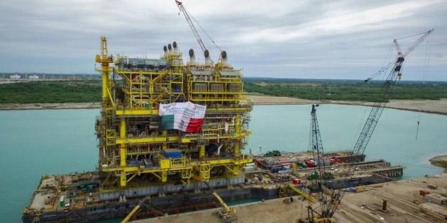 Pemex fija meta de producción en dos millones 480 mil barriles diarios