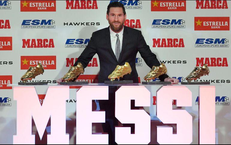 Con su quinta Bota de Oro, Messi deshace el empate que mantenía hasta la pasada campaña con el portugués Cristiano Ronaldo y se convierte en el jugador que más veces ha logrado este galardón. AFP / L. Gene