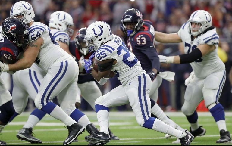 Colts sorprende a Texans y avanza a ronda divisional