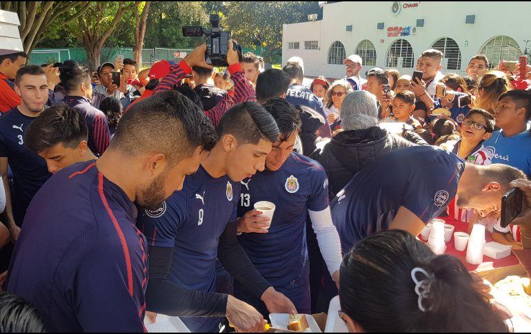 Chivas está inspirado; debut triunfal en Copa, tal y como en Liga