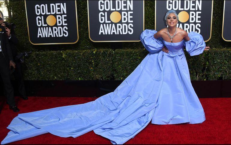 Lady Gaga se disculpa por colaboración con R. Kelly