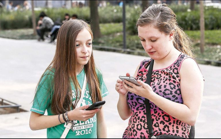 Megacable se estrena con telefonía celular