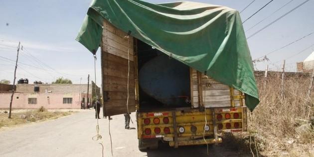 Aseguran dos pipas con 70 mil litros de combustible en Oaxaca