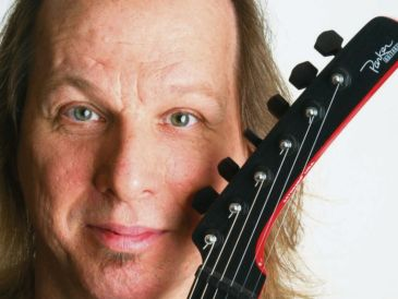 Adrian Belew, legendario guitarrista y miembro destacado de King Crimson. NOTIMEX