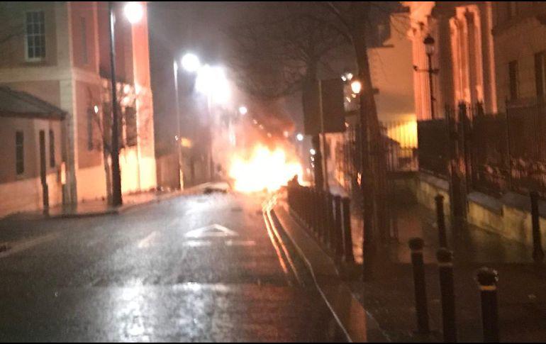 Autoridades en Irlanda del Norte permanecen en alerta por amenazas de seguridad