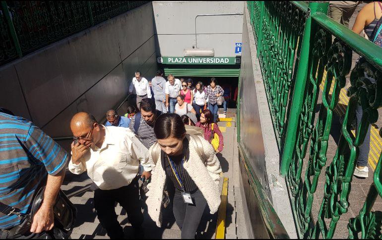 Pese al aumento de pasajeros, el servicio se brinda con el mismo número de vagones. EL INFORMADOR/E. Barrera