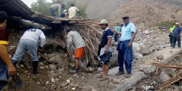 Avalanchas de lodo en los Andes peruanos dejan cinco muertos