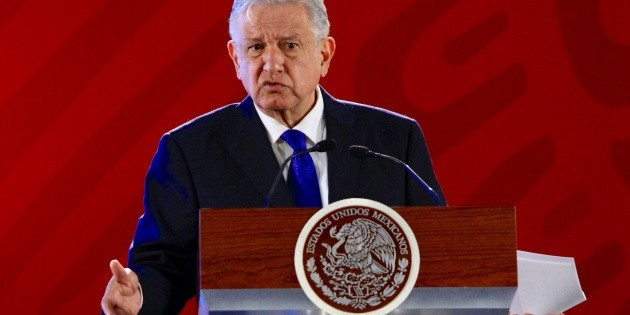 López Obrador exhorta a empresarios que ataquen corrupción e influyentísimo