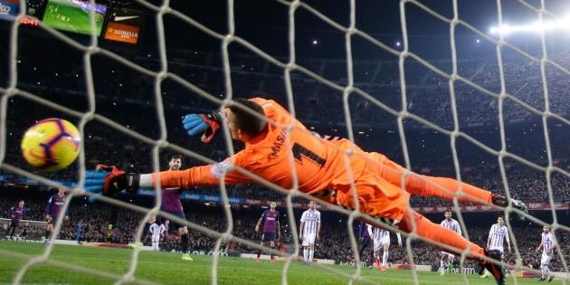 Barcelona consigue una victoria apretada ante Valladolid