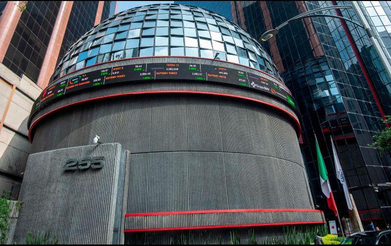 Bolsa Mexicana avanza, atenta a información de la Reserva Federal